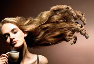 Ejemplos de metafora, es decir: el aire mueve tus cabellos sedosos tal cual caballos briosos.