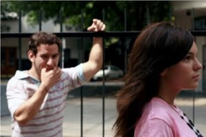 Como atraer a un hombre Sorprendiéndolo