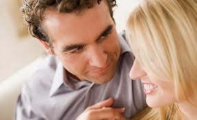 Como saber si le gustas a un hombre Por el contacto visual