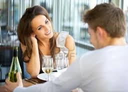 Lenguaje corporal le gustas A una mujer tímida