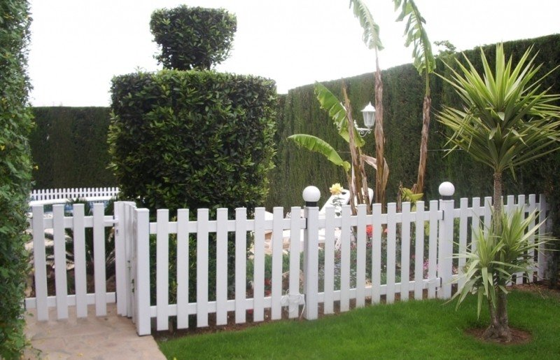 Vayas o vallas ejemplos de for Vallas madera para jardin