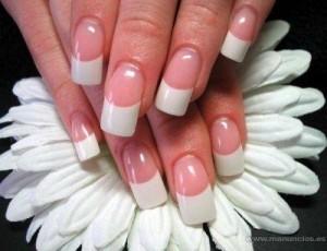 decoración de uñas a la francesa
