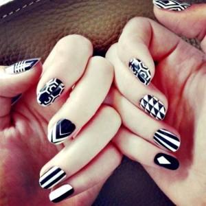 Opción a diseñar uñas, dos tonos.