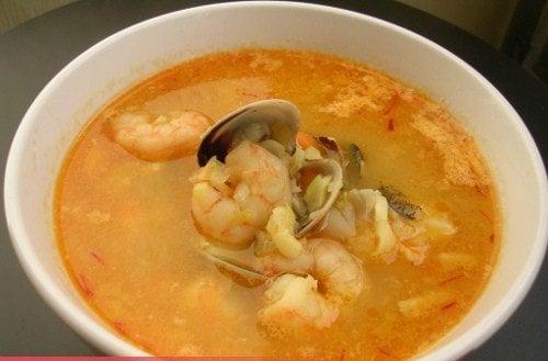 Sopa de pescado casera ejemplos de - Sopa de marisco y pescado ...