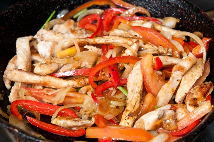 C mo hacer fajitas de pollo ejemplos de for Comidas ricas y faciles de preparar